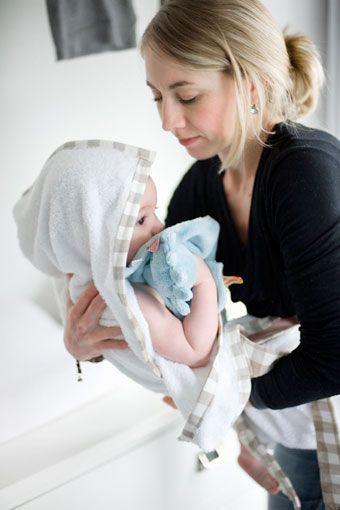 Baby Badetuch - Schürze: Gänseblümchen